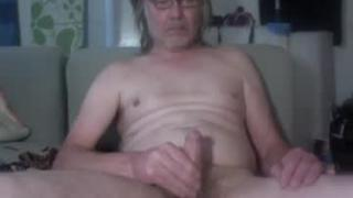 #24/7 #housemaid and #slave ( Marinoviczklaustrivicz at gmail dot com )'s Live Cam
